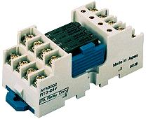 Narrow, compact relay housing with 4 outputs
